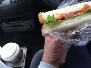 朝食 サーモンサンドイッチ